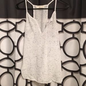 Light grey tank